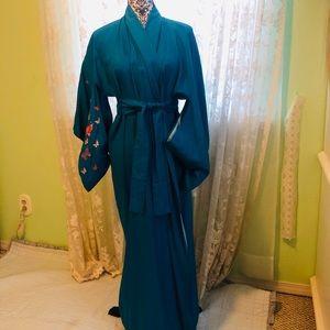 Japanese kimono traditional embroidered long robe